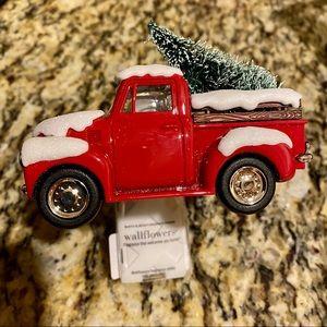 BBW Holiday Truck Wallflower